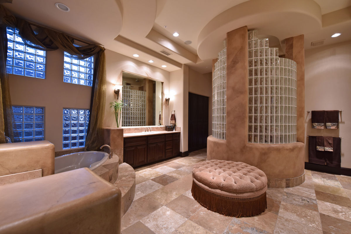 Separate Soaking Tub and Shower