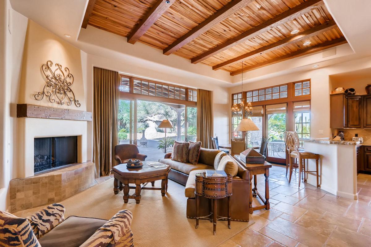 Rocks Luxury Residence Club